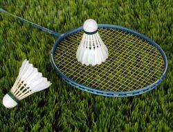 12 Raket Badminton Terbaik